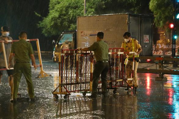 TP.HCM, Đồng Nai xuất hiện mưa đá bất thường ở nhiều nơi - Ảnh 3.