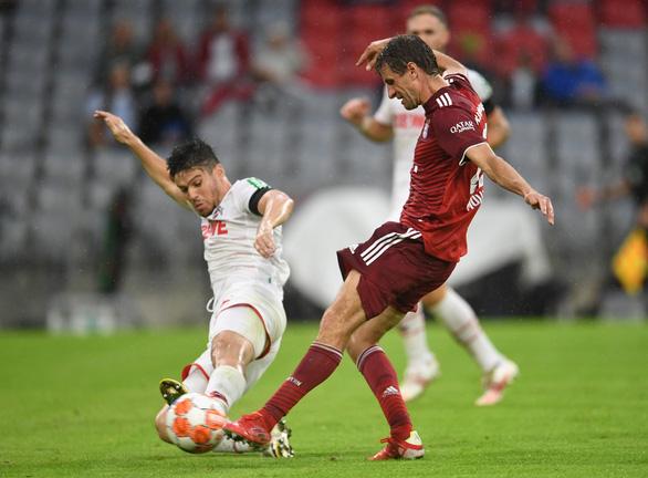 Đánh bại Cologne đầy kịch tính, Bayern có thắng lợi đầu tiên ở Bundesliga mùa này - Ảnh 3.