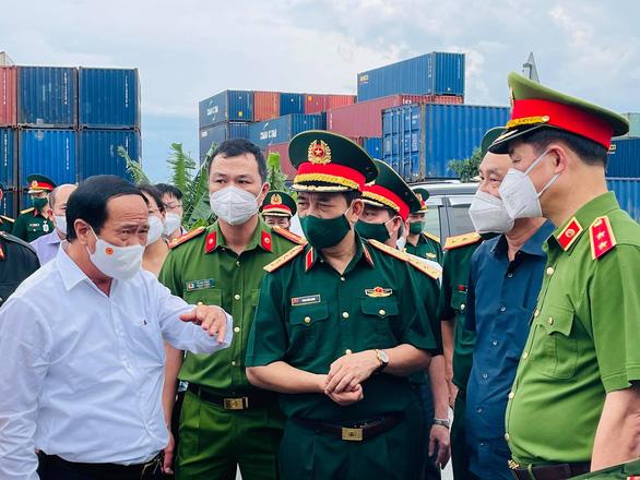 Bộ trưởng Bộ Quốc phòng Phan Văn Giang: Đây là trận chiến, không thắng không về - Ảnh 2.
