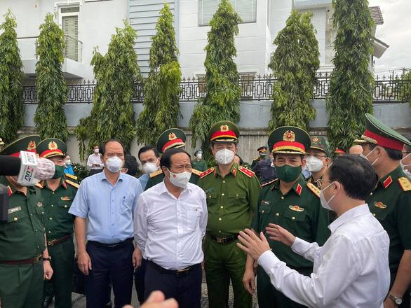 Bộ trưởng Bộ Quốc phòng Phan Văn Giang: Đây là trận chiến, không thắng không về - Ảnh 1.