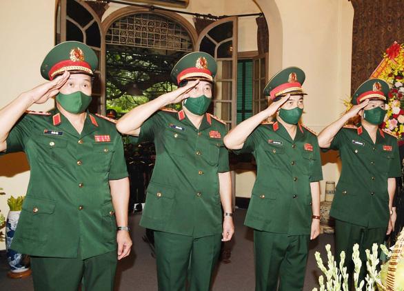 Bộ Quốc phòng dâng hương tưởng niệm Đại tướng Võ Nguyên Giáp - Ảnh 1.