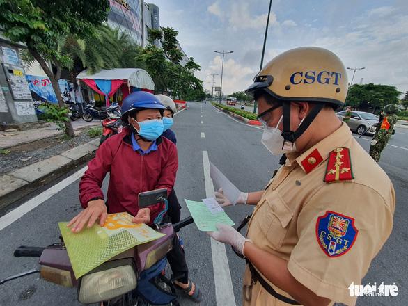 Chưa đầy 24 giờ, cảnh sát giao thông TP.HCM kiểm soát hơn 19.000 trường hợp - Ảnh 1.