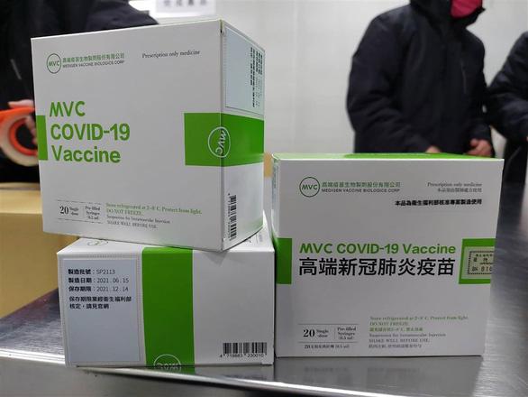 Đài Loan bắt đầu tiêm vắc xin COVID-19 nội địa - Ảnh 1.