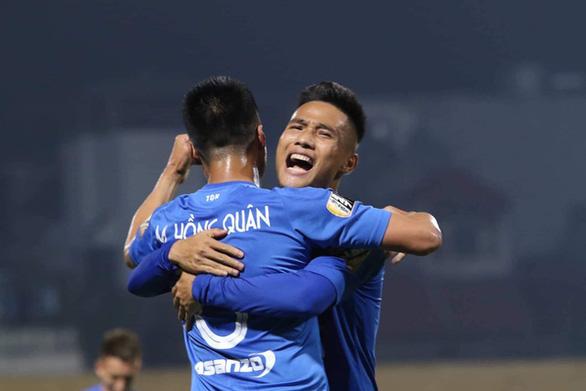 Bị nợ lương, cầu thủ tuyên bố sẽ kiện CLB Than Quảng Ninh, gửi đơn lên FIFA - Ảnh 1.