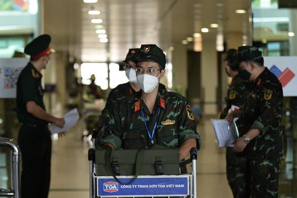 Thêm 1.100 bác sĩ, điều dưỡng, học viên Học viện quân y đến TP.HCM chống dịch - Ảnh 4.