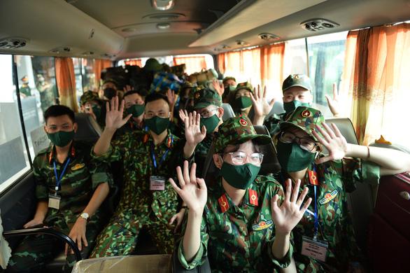 Thêm 1.100 bác sĩ, điều dưỡng, học viên Học viện quân y đến TP.HCM chống dịch - Ảnh 1.