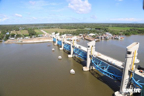 Nước về thiếu hụt 10%, xâm nhập mặn ở Đồng bằng sông Cửu Long có khả năng đến sớm - Ảnh 1.