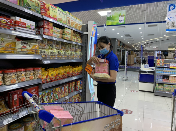 Sau khi bị phản ánh bán giá cao, nhiều siêu thị sẽ tính toán lại combo hàng - Ảnh 3.