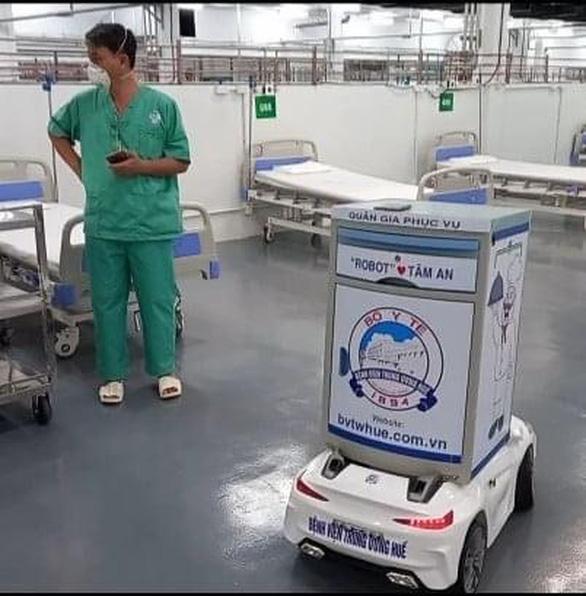 Bản tin sáng 25-8: Lần đầu tiên đưa thuốc kháng virus mới và robot điều trị cho bệnh nhân COVID-19 - Ảnh 3.
