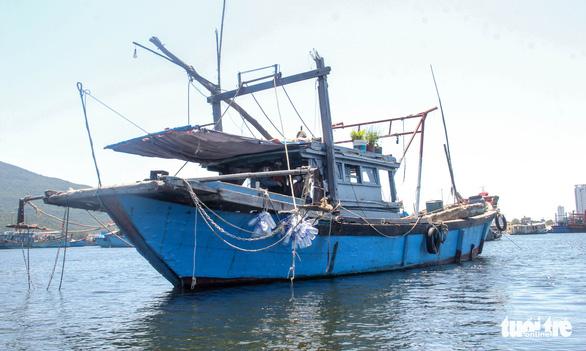 Gia đình 5 người cách ly trên tàu neo giữa cảng hơn 20 ngày - Ảnh 2.