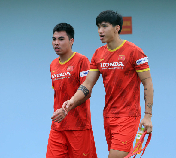 Văn Hậu rời đội tuyển Việt Nam vì chấn thương chưa hồi phục - Ảnh 1.