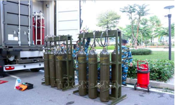 Quân đội triển khai trạm sản xuất oxy lưu động sẵn sàng hỗ trợ TP.HCM - Ảnh 4.
