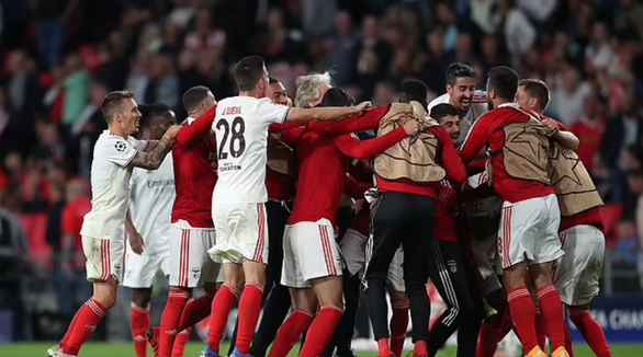 PSV Eindhoven chia tay Champions League - Ảnh 2.