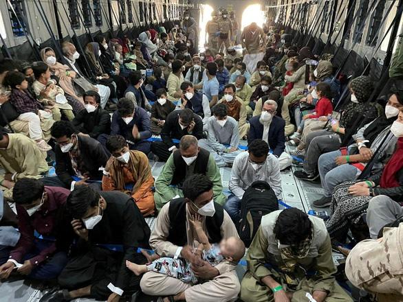 Taliban hứa cho Đức sơ tán cựu nhân viên người Afghanistan sau ngày 31-8 - Ảnh 1.