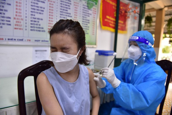 HỎI - ĐÁP về dịch COVID-19: Đã tiêm mũi 1 vắc xin COVID-19, tiêm mũi 2 ra sao? - Ảnh 1.