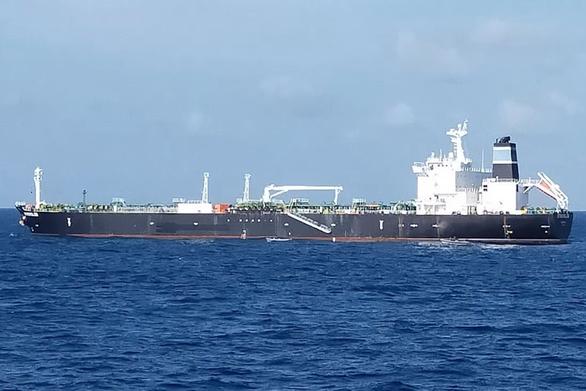Ly kỳ con tàu bị tố trộm 300.000 thùng dầu mỏ của Campuchia - Ảnh 1.