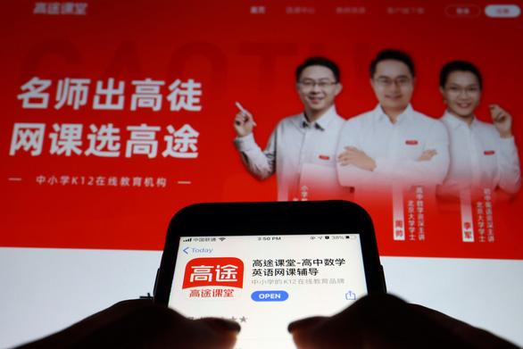 Trung Quốc cấm dạy thêm, các công ty gia sư mất phương hướng - Ảnh 1.