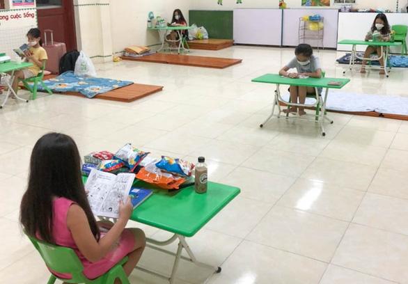 Trẻ thi nói tiếng Anh, vẽ tranh những ngày cách ly - Ảnh 3.