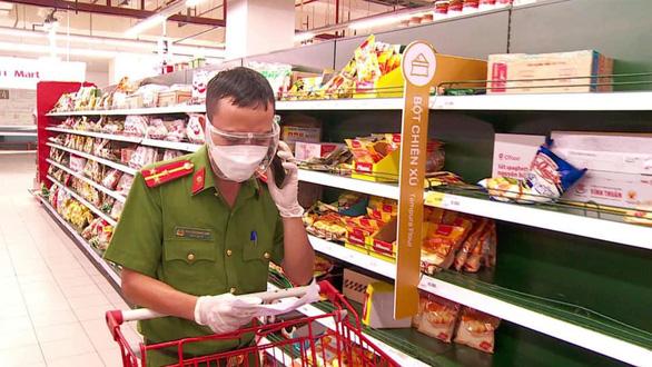 Công an Đà Nẵng triển khai các điểm cung ứng lương thực, thực phẩm tại 30 phường - Ảnh 3.