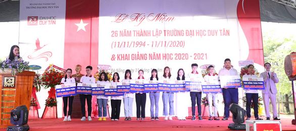 Đại học Duy Tân công bố điểm sàn xét tuyển các ngành - Ảnh 1.