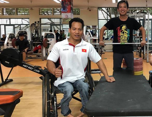 Trọng lượng cơ thể nặng hơn đối thủ 100g, Lê Văn Công mất HCV Paralympic Tokyo 2020 - Ảnh 1.
