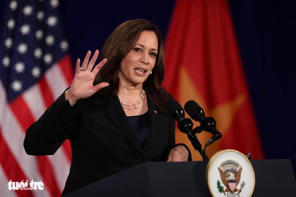 Phó tổng thống Mỹ: Hy vọng chuyến thăm mở ra chương mới cho quan hệ Việt - Mỹ - Ảnh 1.