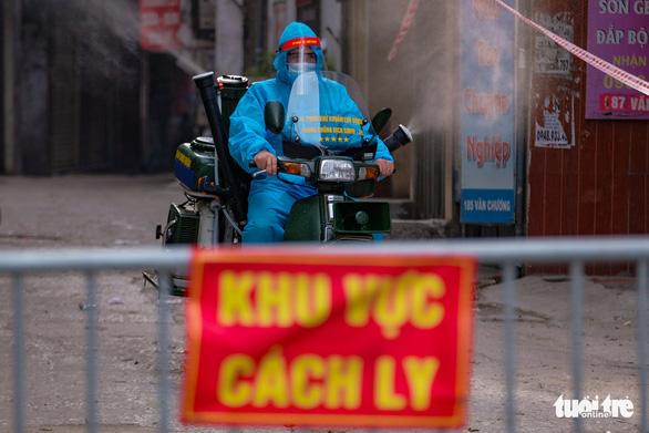 CDC Hà Nội: Gần như 1.700 người ở ổ dịch phường Thanh Xuân Trung là F1 - Ảnh 1.