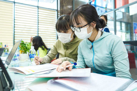 Tuyển sinh đại học, cao đẳng 2021: Nhập học bằng học bạ thấp kỷ lục - Ảnh 1.