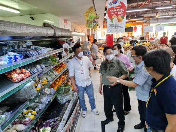 Thủ tướng Chính phủ: Cần phối hợp chặt chẽ với siêu thị để cung ứng hàng hóa - Ảnh 1.