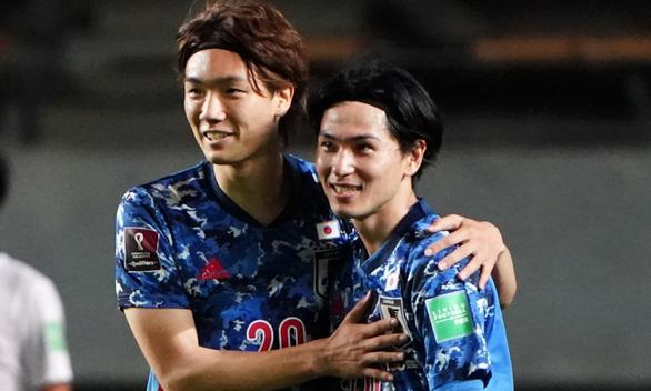 Nhật Bản ra oai, gọi 18 cầu thủ đá ở châu Âu lên tuyển - Ảnh 1.