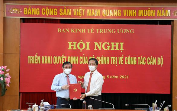 Ông Nguyễn Thành Phong nhận quyết định làm phó trưởng Ban Kinh tế Trung ương - Ảnh 1.