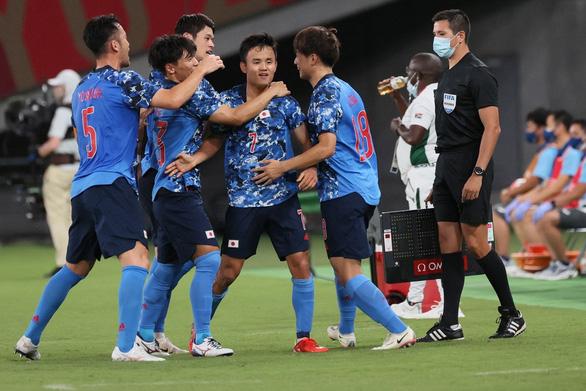 Tuyển Nhật - đội bóng số 1 bảng B - Ảnh 1.