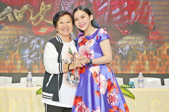 Nghệ sĩ cải lương Bình Tinh 1 tháng mất 3 người thân - Ảnh 1.