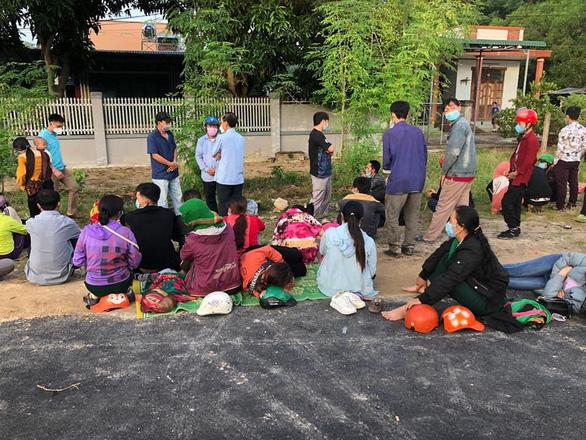 Bình Thuận hỗ trợ, đưa 65 công dân Nghệ An về quê tránh dịch - Ảnh 1.