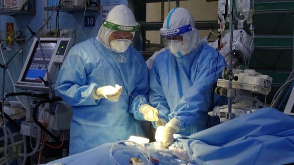 Hơn 1 tháng hoạt động, Trung tâm hồi sức Bệnh viện 175 thực hiện thành công 7 ca ECMO - Ảnh 2.