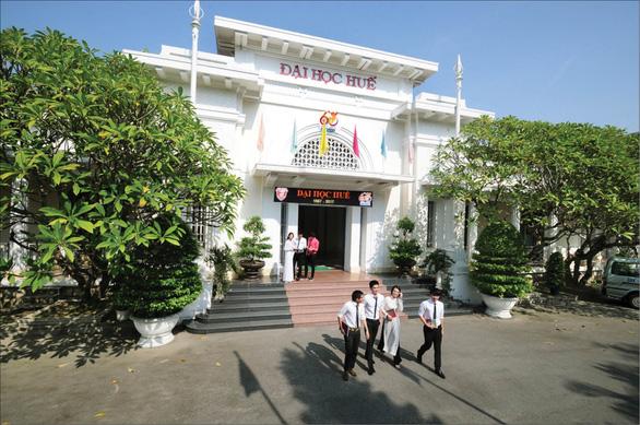 ĐH Huế, ĐH Sài Gòn, ĐH Cần Thơ công bố điểm sàn xét tuyển đại học - Ảnh 1.