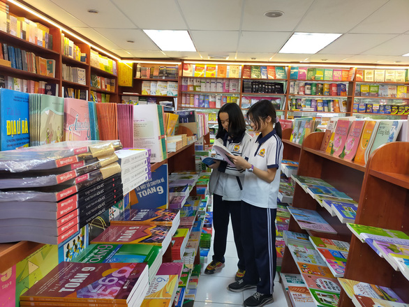 Nhiều địa phương chỉ đạo tạo điều kiện để kịp chuyển sách giáo khoa đến tay học sinh - Ảnh 1.