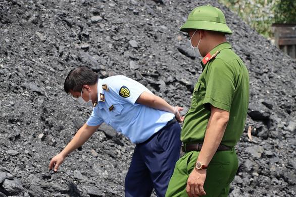 'Đại gia' lan đột biến nổi tiếng trên mạng bị bắt vì khai thác hàng triệu tấn than lậu - Ảnh 2.