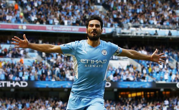 Thắng '5 sao', Man City đẩy Arsenal lún sâu vào khủng hoảng - Ảnh 1.