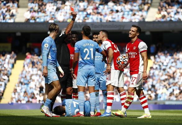 Thắng '5 sao', Man City đẩy Arsenal lún sâu vào khủng hoảng - Ảnh 3.