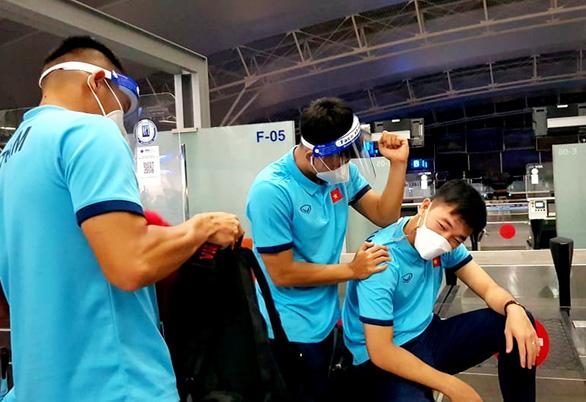 Đội tuyển Việt Nam lên đường đến Saudi Arabia, chủ nhà bố trí máy bay riêng đón từ Qatar - Ảnh 3.