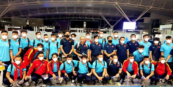 Đội tuyển Việt Nam lên đường đến Saudi Arabia, chủ nhà bố trí máy bay riêng đón từ Qatar - Ảnh 4.