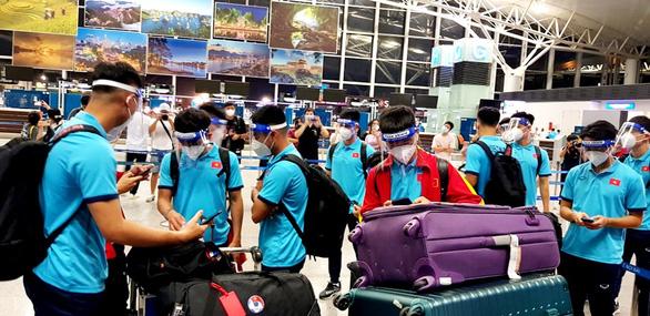 Đội tuyển Việt Nam lên đường đến Saudi Arabia, chủ nhà bố trí máy bay riêng đón từ Qatar - Ảnh 2.