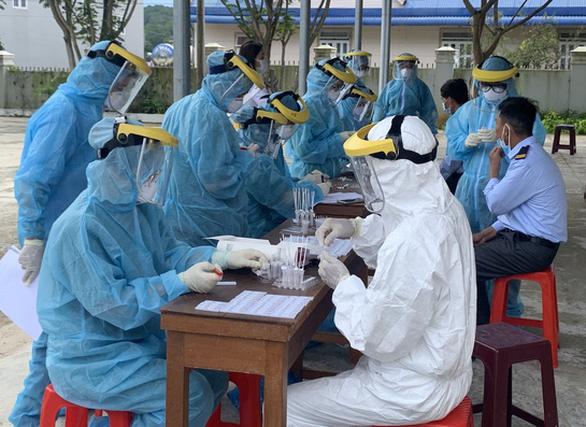 Khởi tố vụ án liên quan đến chùm ca nhiễm COVID-19 tại vùng rau Đà Lạt - Ảnh 1.