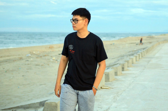 Nam sinh Quảng Ngãi đạt 28,05/30 điểm trúng tuyển NV1 vào ĐH Duy Tân - Ảnh 1.