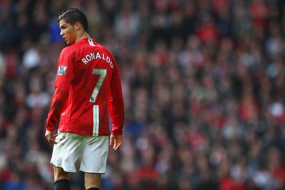 Ronaldo không thể khoác áo số 7 huyền thoại ở Man Utd? - Ảnh 1.