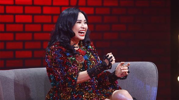 Con gái Phi Nhung: Mong mọi người cầu nguyện cho mẹ con - Ảnh 6.