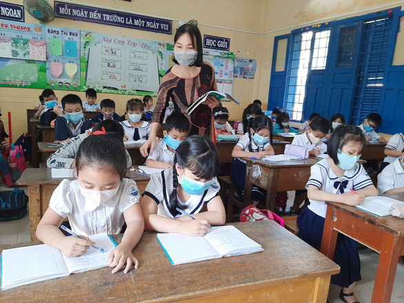 Phú Yên giải bài toán thiếu hơn 1.300 giáo viên ra sao? - Ảnh 2.