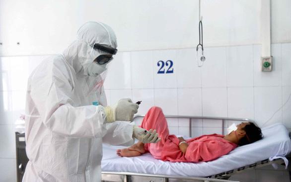 Đánh giá nguy cơ lây nhiễm COVID-19 mỗi ngày cho nhân viên y tế