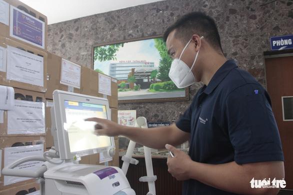 Trao gói thiết bị y tế trị giá 10,8 tỉ đồng cho Bệnh viện Thống Nhất - Ảnh 1.